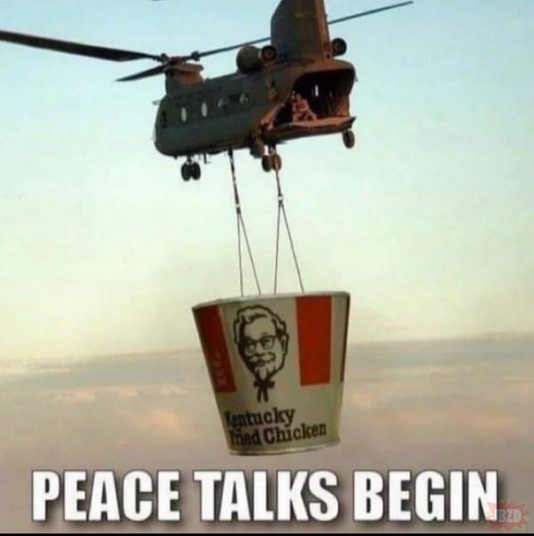 Wojsko zaczęło negocjacje z tłumem